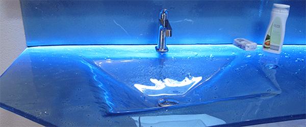 Waschtisch-blau